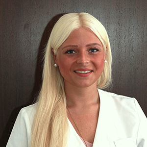 Frau Carina Naber
